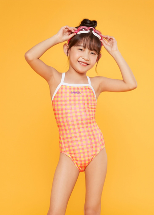 5%쿠폰/배럴 키즈 트레이닝 패턴 V백 스트랩 스윔슈트_BARREL(C001)_BG1KSSW42_KIDS TRAINING PATTERN V BACK STRAP SWIMSUIT_APPLE CHECK_SQB600146